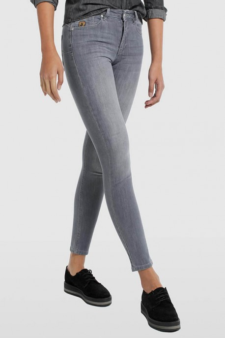 DENIM GRIS-LUA PUSH UP-LEEVAN